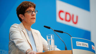 Annegret Kramp-Karrenbauer, ministra de defensa.