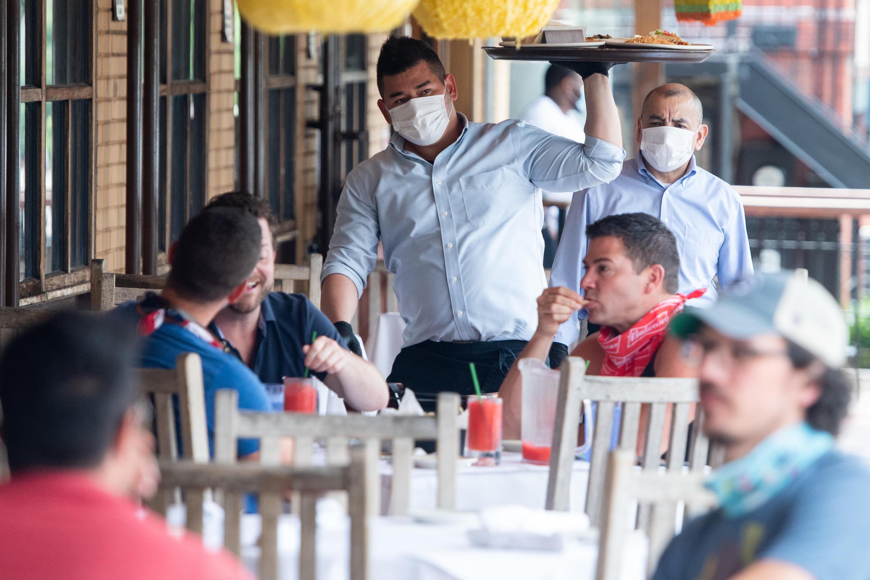 La pandemia afectó la economía principalmente durante abril y junio, golpeando con fuerza a empresas y consumidores.