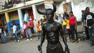 Durant le carnaval de Haïti, un char est entré en contact avec un câble électrique, dans la nuit de lundi à mardi.