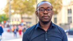 L'ingénieur en Réseaux et Télécoms Sem Irvin Djéguédé a conçu une messagerie instantanée qui brise les barrières linguistiques.