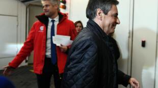 François Fillon arrivant lundi soir au comité LR.