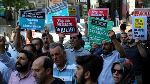 Manifestación en la ciudad turca de Diyarbakir contra la ofensiva siria en la provincia de Idlib. 7 de septiembre de 2018.