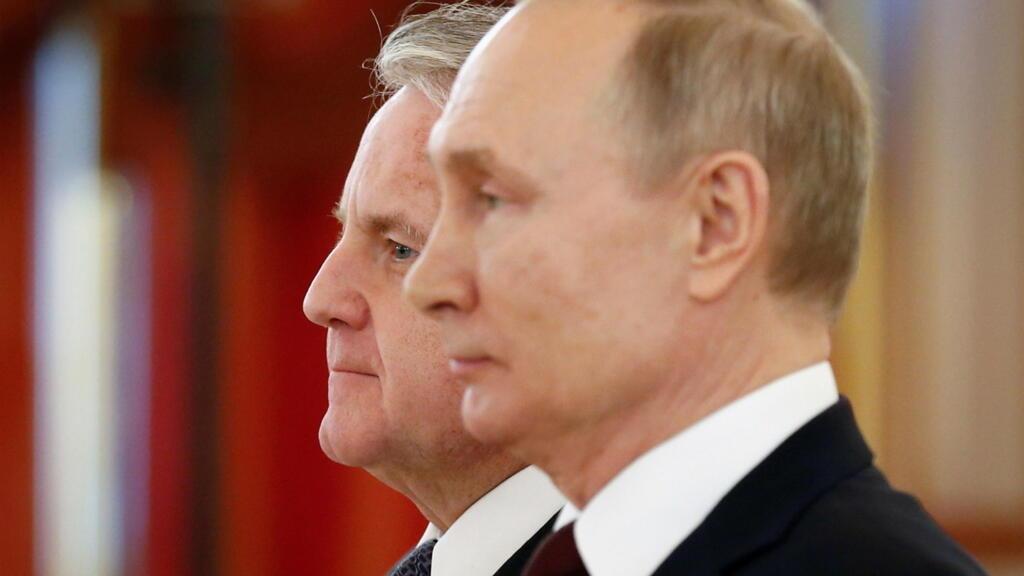 La Russie réplique aux sanctions et expulse des diplomates américains