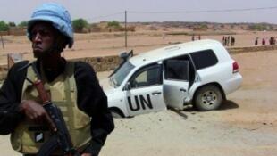 أحد جنود بعثة الأمم المتحدة في مالي في كيدال (شمال) في 14 تموز/يوليو 2016.