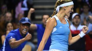 Kristina Mladenovic, lors de son match contre Elise Mertens, lors des quarts de finale de Fed Cup opposant la France à la Belgique, le 11 février 2018.