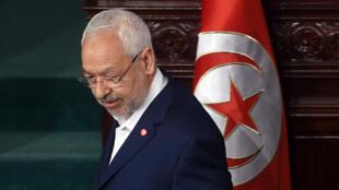 Le président d'Ennahda, Rached Ghannouchi, arrive à l'Assemblée des représentants du peuple, le 16 février 2016 à Tunis.