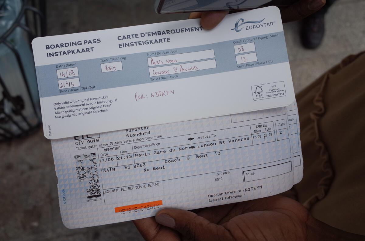 Un billet Eurostar du 17 août dont la date a été avancée au 14 août afin de pénétrer sur le sol britannique avant le début de la quatorzaine à l'arrivée.