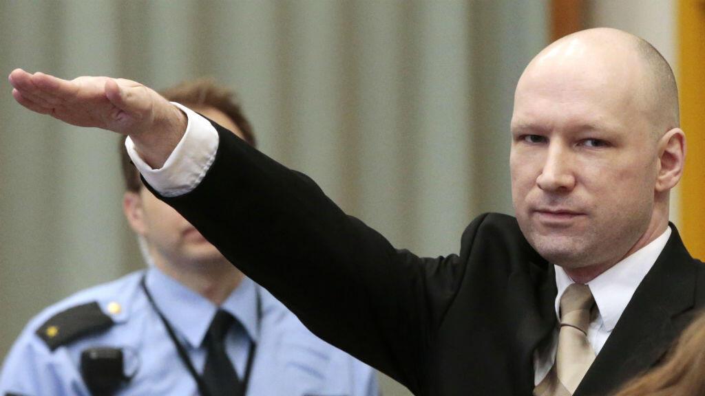 Anders Behring Breivik arrive pour un nouveau procès à la prison de Skien, le 15 mars 2016.