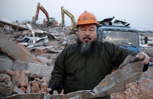 Ai Weiwei lors de son enquête dans la région du Sichuan.