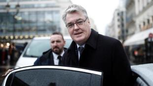 Le haut-commissaire français aux retraites Jean-Paul Delevoye au deuxième jour de la grève contre la réforme des retraites, le 6 décembre 2019.