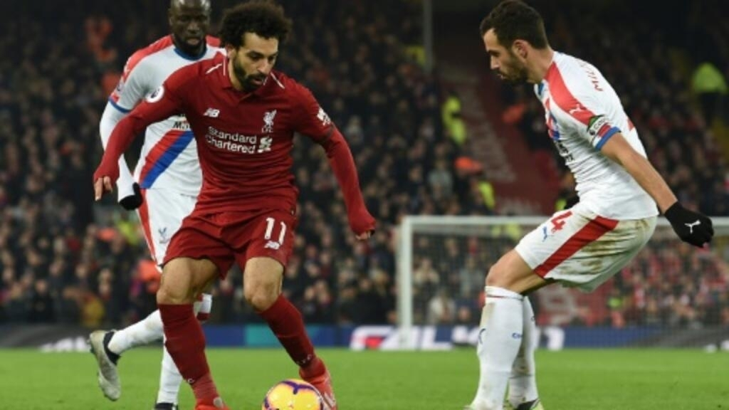 Salah fires Liverpool seven points clear, United extend