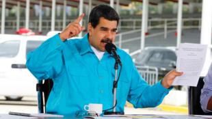 El presidente venezolano, Nicolás Maduro, ordenó este jueves la refinanciación de la deuda externa, durante un acto de gobierno en Caracas.