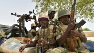 عسكريون من النيجر.