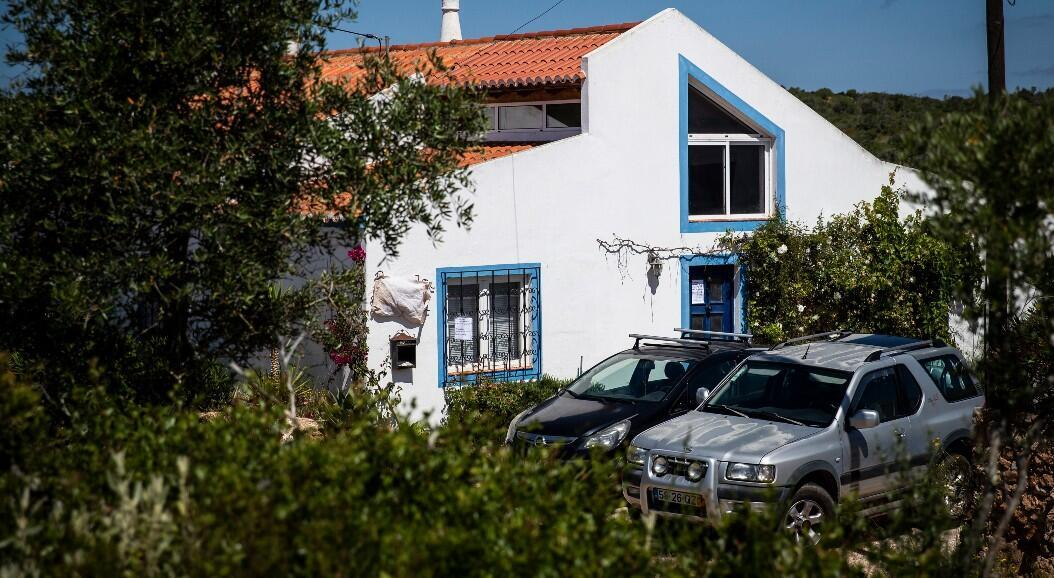 Fotografía de la casa donde vivía el sospechoso alemán, relacionado con el caso de la niña británica Madeleine McCann, cuando despareció a los tres años de edad en 2007. Imagen tomada en Lagos, Portugal, el 5 de junio de 2020.