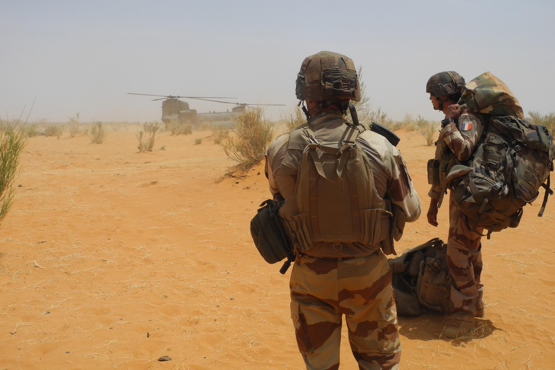 Des soldats français, près de la base de Gossi, au Mali, le 24mars2019.