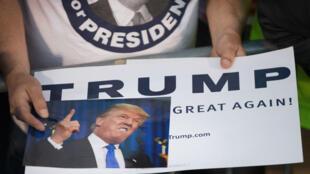 Donald Trump a emporté haut la main les primaires républicaines du New Hampshire.