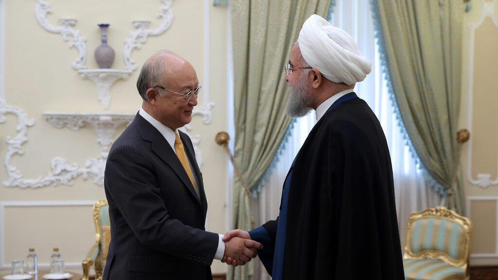 Le directeur général de l'Agence internationale de l'énergie atomique, Yukiya Amano, lors d'une rencontre avec le président iranien Hassan Rohani, le 29 octobre 2017.