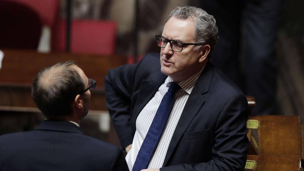 Richard Ferrand est soupçonné d'avoir profité de sa fonction de  directeur général des Mutuelles de Bretagne pour favoriser sa compagne.