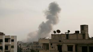 La Ghouta orientale, assiégée depuis 2013 par les forces du régime syrien, bombardée le 6 janvier 2017.