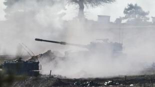 Un tank de l'armée turque à la frontière syrienne, le 15 février 2016.