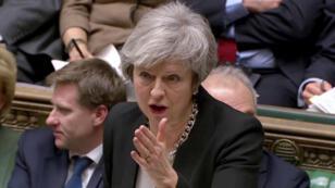 La primera ministra británica, Theresa May, habla durante el debate sobre su 'plan B' en el Parlamento, en Londres, Reino Unido, el 29 de enero de 2019.