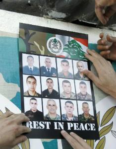 Douze des soldats tués dans les affrontements contre les hommes d'Ahmad al-Assir en 2013