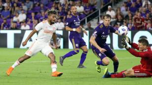 El venezolano Josef Martínez marca su gol número 28 en la presente temporada de la MLS, el 24 de agosto de 2018.