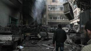 Champ de ruines à Douma, ville de la Ghouta orientale où les Occidentaux suspectent des attaques chimiques.