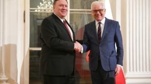 بومبيو ونظيره البولندي في وارسو الثلاثاء في 12 شباط/فبراير 2019