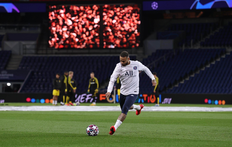 لاعب باريس سان جرمان نيمار قبيل المواحهة أمام دورتموند في إياب ثمن نهائي دوري أبطال أوروبا. 11 مارس/آذار 2020.