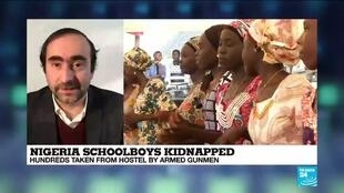 2021-02-17 12:03 Gunmen kidnap 'hundreds' of schoolboys in Nigeria