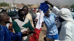 Photo de manifestants ce vendredi à Zinder, au Niger.