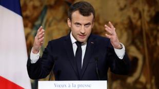 El presidente francés Emmanuel Macron durante su discurso a la prensa, en París, el 3 de enero del 2017.
