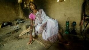 الهندية سورسيري ماندال واجهت اتهامات بممارسة السحر وبأن روحها الشريرة ساهمت في موت بقرة