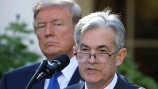 El nominado a la presidencia de la Fed, Jerome Powell, con el presidente de Estados Unidos, Donald Trump.