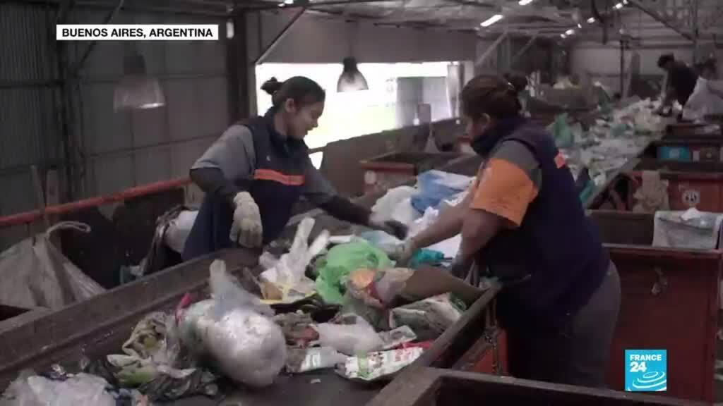 2021-02-25 13:42 Reciclaje en Buenos Aires: la lucha laboral que impulsaron las mujeres (2/6)