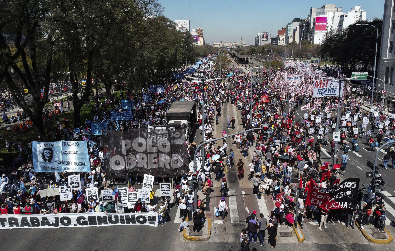 Argentina tiene una de las tasas de inflación más altas del mundo (32 por ciento de enero a agosto) y alto desempleo.