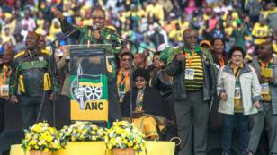 L'actuel président de l'ANC et chef de l'État sud-africain Jacob Zuma a reconnu les erreurs de son parti lors d'une cérémonie de l'ANC à Soweto, le 8 janvier 2017.