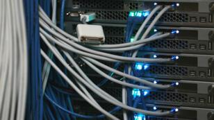 Des cables Internet à New York, en novembre 2014.