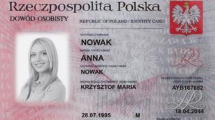 Une carte d'identité polonaise.