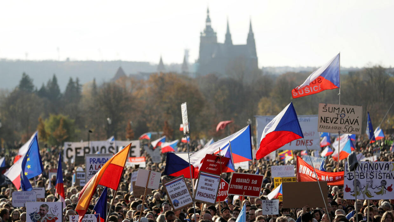 Calling on PM to quit, huge Czech protest marks 30 years since Velvet Revolution