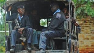 رجال شرطة كينيون