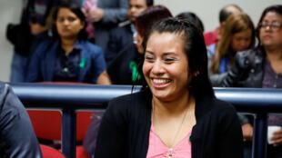 Evelyn Hernández, acusada de homicidio por haber abortado presuntamente en 2016, durante una audiencia en Ciudad Delgado, El Salvador, el 19 de agosto de 2019.