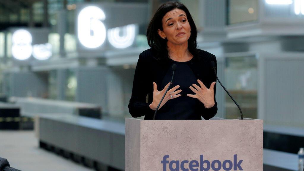 La directora de operaciones de Facebook, Sheryl Sandberg, lidera procesos de empoderamiento femenenino.