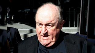 Exarzobispo australiano Philip Wilson tras salir del tribunal en el que fue absuelto, en Newcastle, Australia, el 6 de diciembre de 2018.