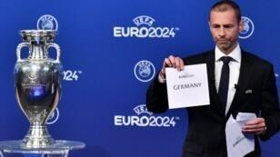 """رئيس الاتحاد الأوروبي لكرة القدم ألكسندر تشيفرين يكشف اسم الفائز بضيافة """"يورو 2024"""" 2018/09/27"""