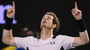 Le Britannique Andy Murray affrontera le Serbe Novak Djokovic en finale de l'Open d'Australie.