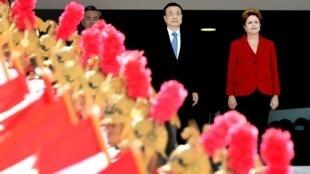 La présidente brésilienne Dilma Rousseff a acceuilli le Premier ministre chinois Li Keqiang pour une visite de trois jours.