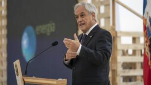 El presidente de Chile destituyó a seis ministros luego de que se conocieran los resultados de una encuesta en la que rechazaban ampliamente su gestión.