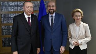 Le président turc Recep Tayyip Erdogan, Charles Michels et Ursula Von Der Leyen